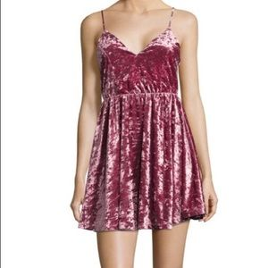 Romeo & Juliet Couture Crushed Velvet Dress